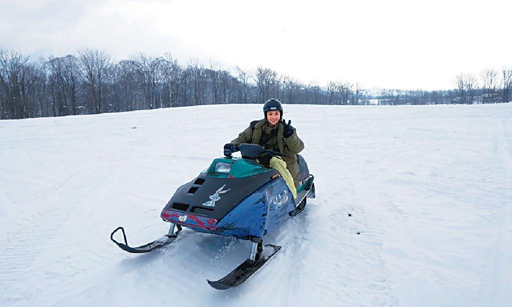 ■娜姐原來有腳患,但都肯去拍滑雪節目。