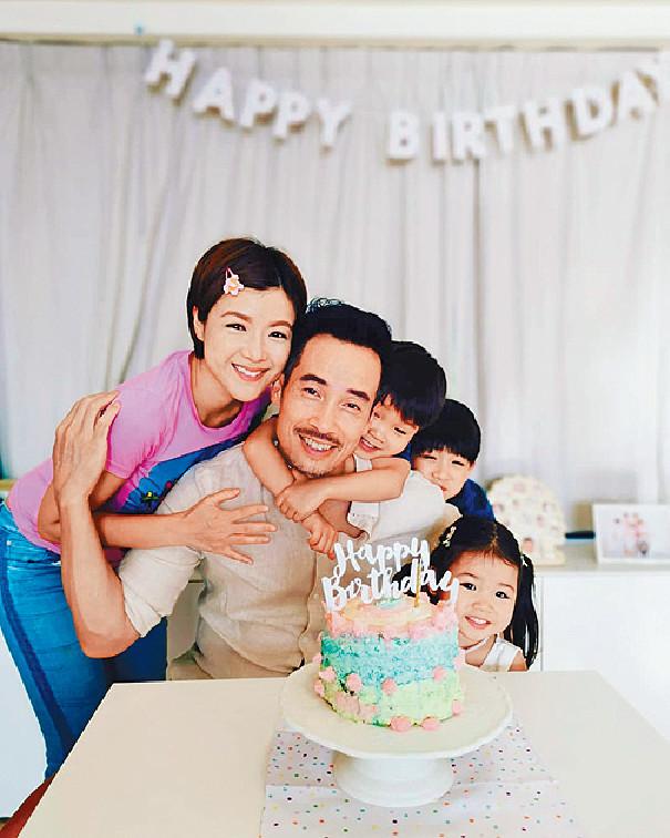 幸福家庭 ■Aimee不時大晒一家五口幸福照片,一屋靚人溫馨又充滿愛。