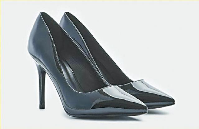 ■高跟鞋會帶來腳跟痛、腳酸、腰背痛,甚至造成腳底筋膜炎、拇指外翻等情況。