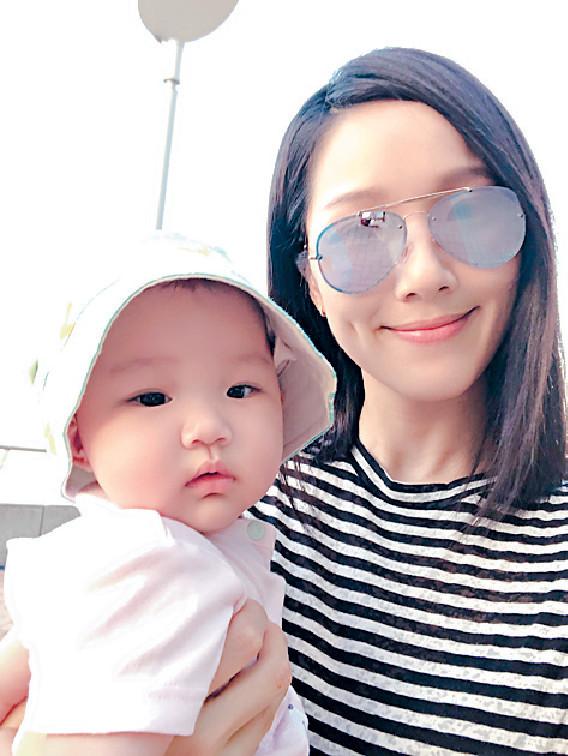 ■Gabrielle遺傳了媽咪亞男的靚樣及身高,令祖藍相當放心。