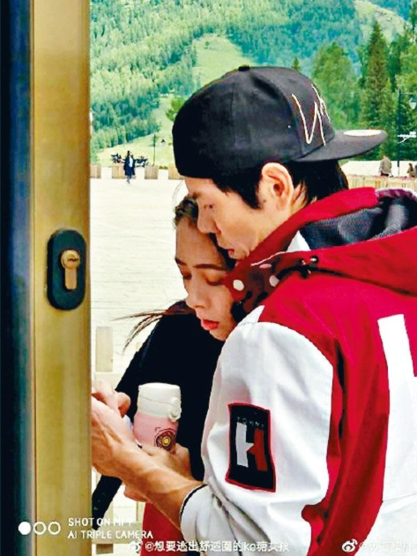 向佐與郭碧婷錄影內地真人騷,舉止恩愛被網友捕獲。