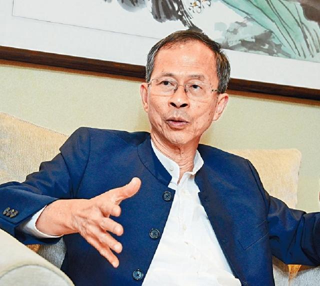 ■曾鈺成支持林鄭月娥繼續留任。