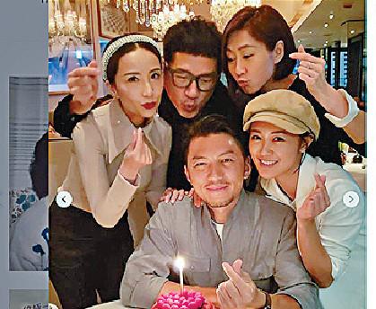 ■上月,袁偉豪38歲生日,除咗同女友張寶兒一齊過,仲約埋胡定欣(後左)、胡蓓蔚(後右)、單立文一齊慶祝。