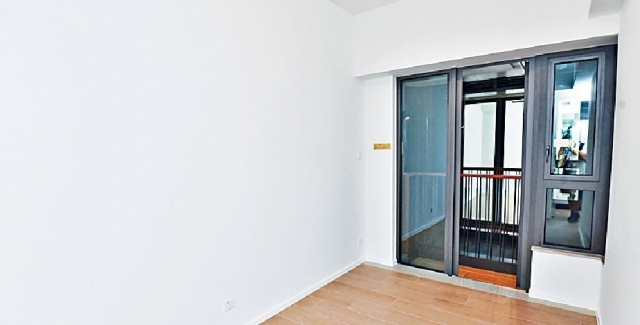 ■2B座8樓G室採三房連套房間隔,圖為主人套房外連工作平台。