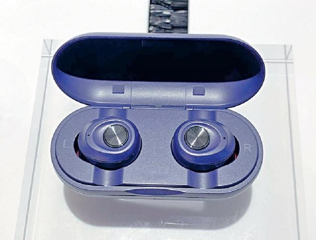 ■組合包括的inno3C耳筒為流行的真無線款式。