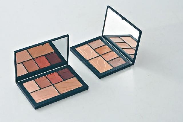■兩款限量Face Palette眼頰彩妝組合,可作眼影及胭脂。
