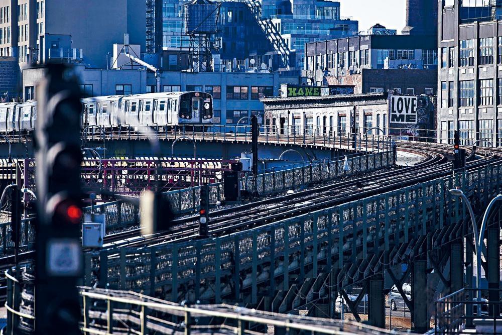 大都會捷運局最新數據顯示,地鐵服務持續改善。Karsten Moran/紐約時報