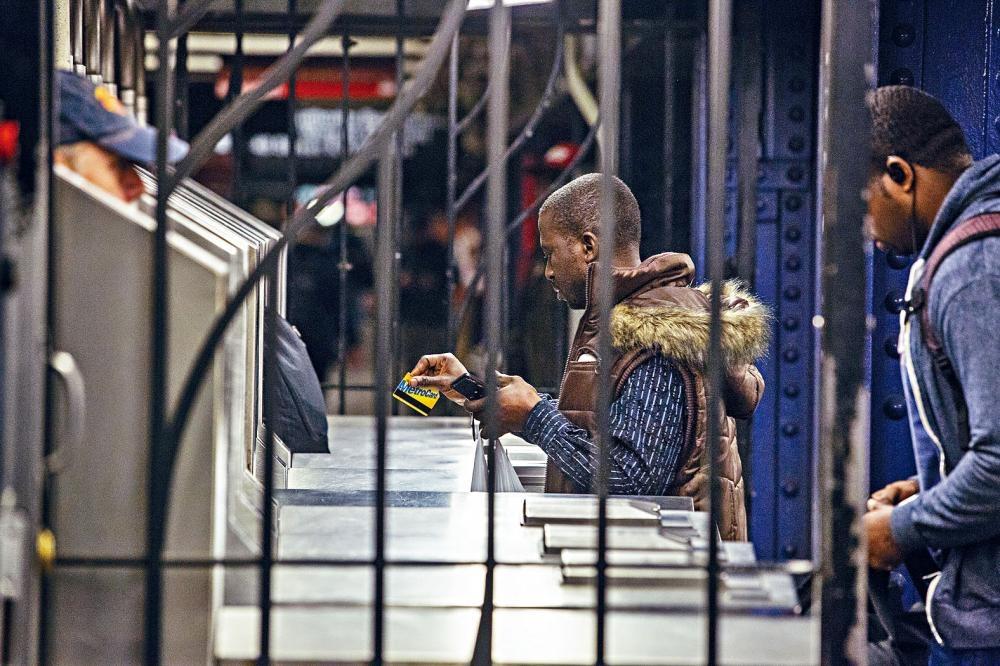 MTA及柯謨巴宣布將會嚴重打擊逃票。 Kirsten Luce/紐約時報