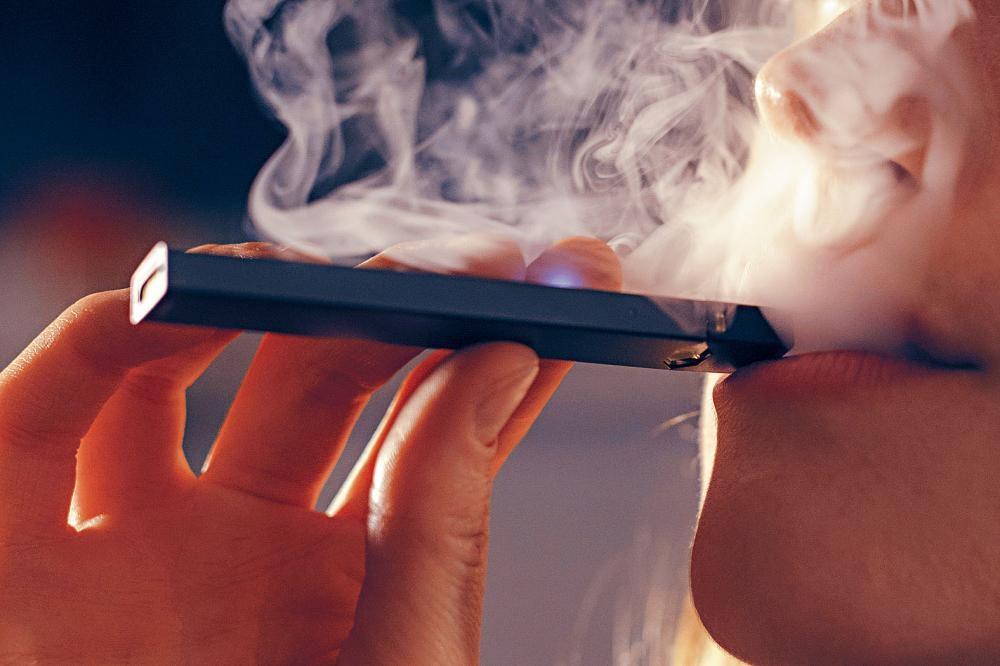 舒默指來自中國的電子煙產品帶來潛在危險。Caroline Tompkins/紐約時報
