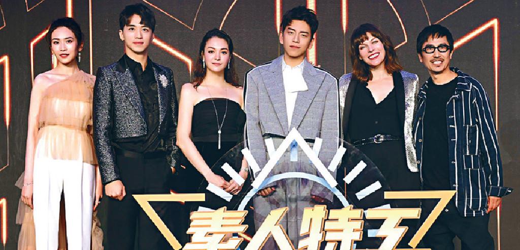 ■導演袁錦麟(右一)率領一班主角出席發佈會。