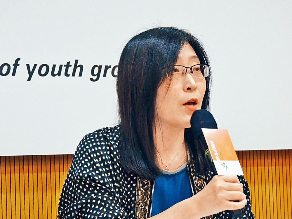 徐小曼提醒青少年應適度抽離,避免造成情緒困擾。
