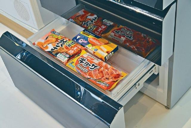 ■冰格有多個間層,方便擺放冰鮮肉。