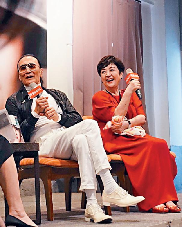 ■台灣網主持毛亮傑日前po出多張四哥和甄珍在台灣世紀合體嘅照片。