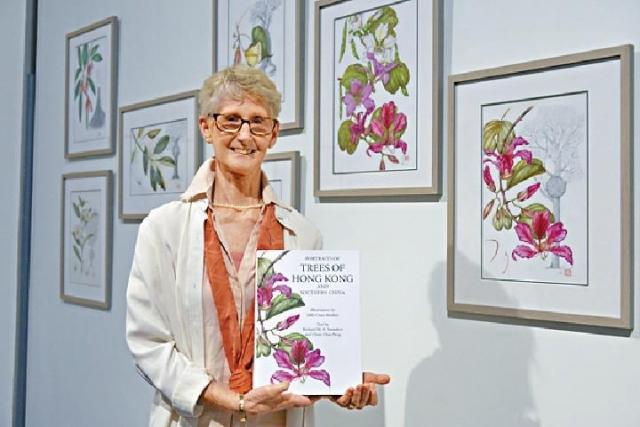 ■植物繪畫家Sally Bunker描繪本地植物。