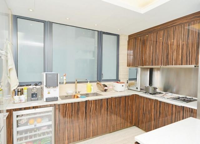 ■廚房擁有不少品牌家電,環境企理。