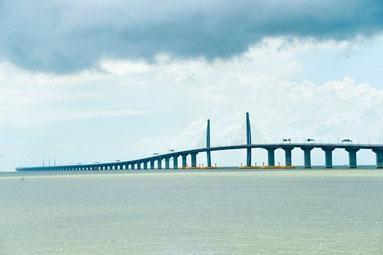 ■港珠澳大橋香港口岸將興建公共運輸交匯處。
