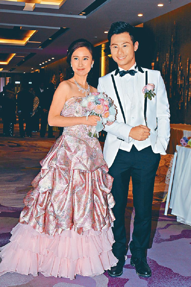 ■13年潮凱跟拍拖11年的初戀女友江玉儀結婚,太太一直好支持他工作。
