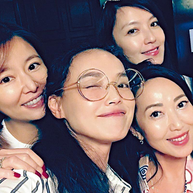 舒淇(中)與林心如(左)、林熙蕾(右上)姊妹飯局,心如「鷹勾鼻」成網友焦點。