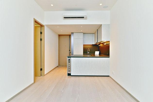 鷹君發展的白石角新盤朗濤昨開放1房交樓標準示範單位。