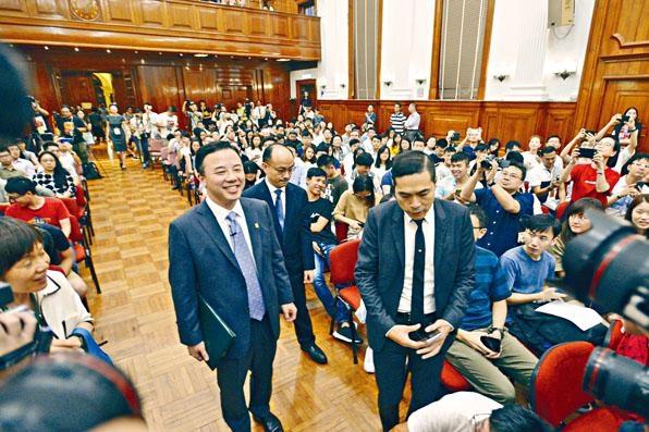 ■港大校長張翔與師生校友對話,重申不贊成任何形式的暴力。