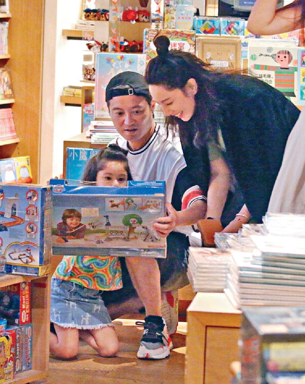 ■梁浸浸睇中嘅玩具可以畀小朋友發揮創意,父母覺得益智即買。