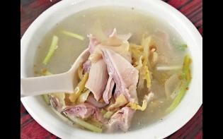 好味大過天——透紅的胡椒鹹菜豬肚湯