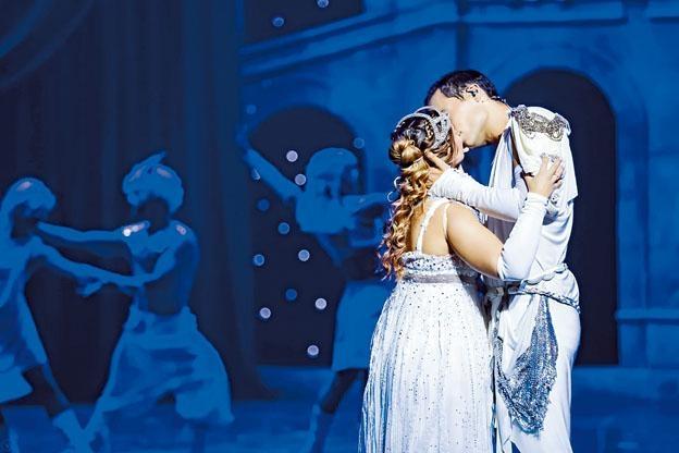 ●這套音樂劇改編自莎士比亞的《羅密歐與茱麗葉》。
