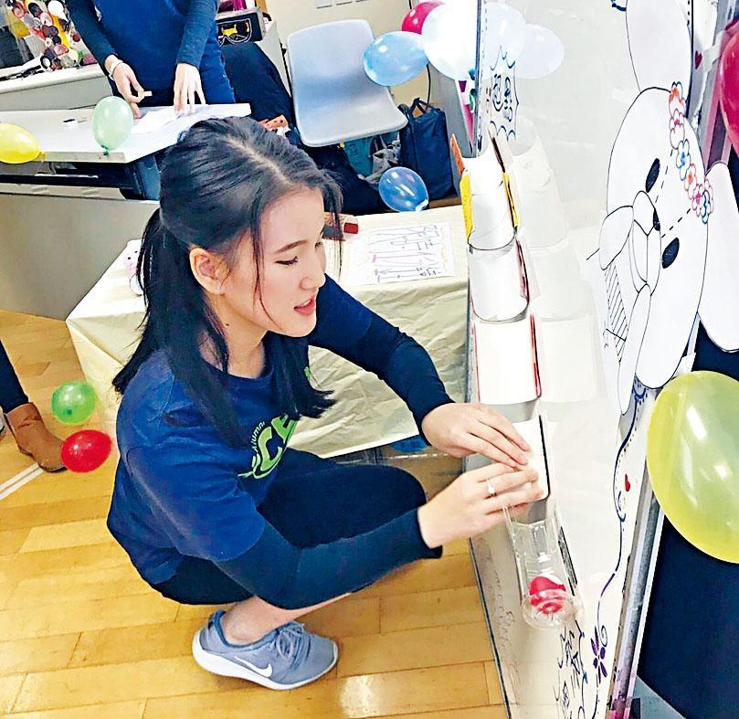 陸嘉怡嘗試以有趣的方法引起幼兒的學習興趣,經反覆訓練漸漸掌握技巧,順利完成實習。