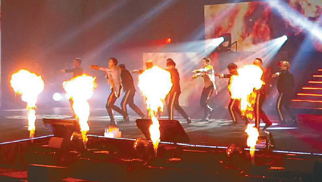 ■為答謝Fans支持,東方神起將精彩表演贈歌迷。