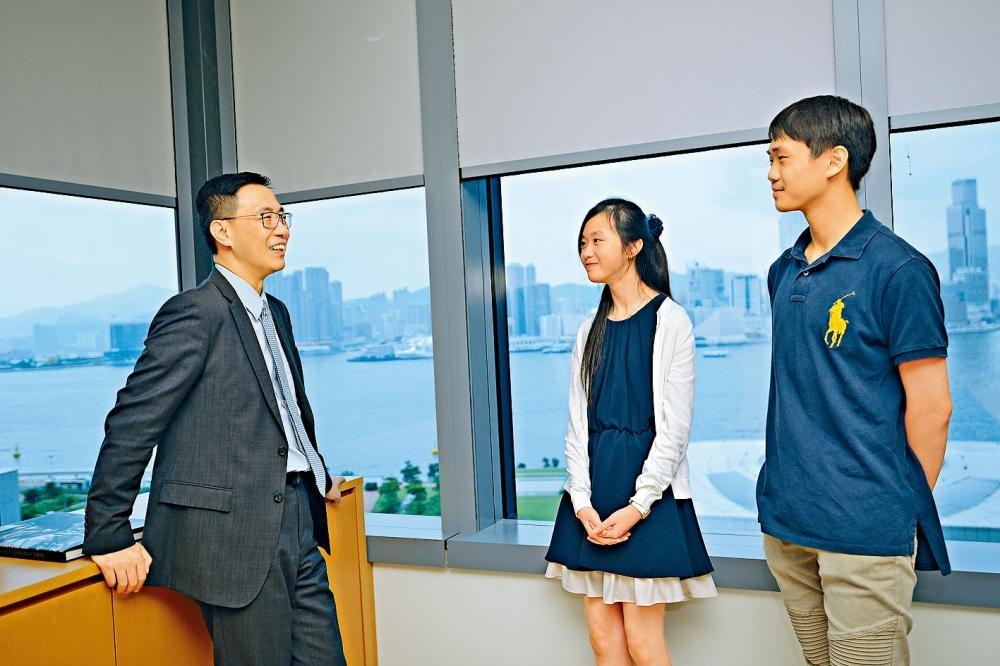 楊潤雄稱願意就教育政策多聽青年人意見,期望學生能積極發聲,特別是公開諮詢中的課程檢討。