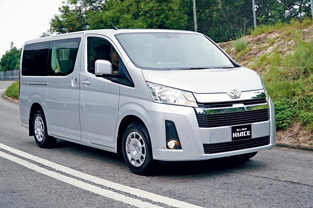 豐田Hiace經全面革新,造型更添MPV車味道,Luxury版本還備有雙電趟門組合。