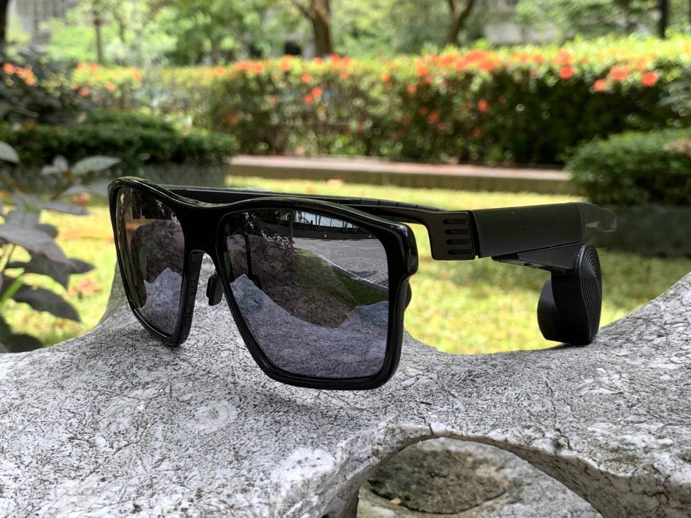 ●骨傳導智能眼鏡耳筒OSSII SOUND日前正抵港。
