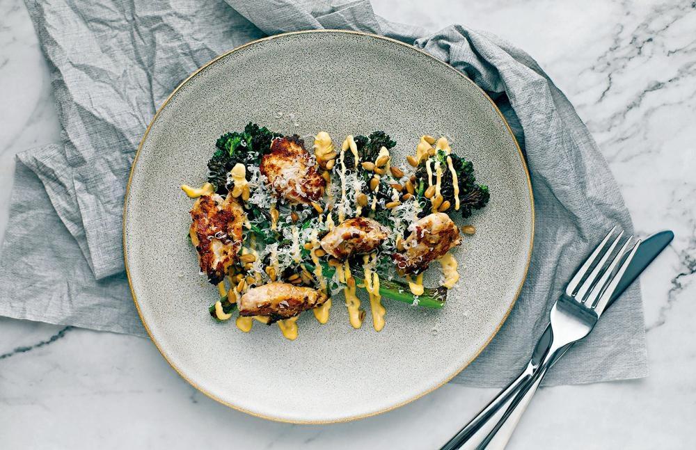 雞嫩肉(Chicken Oyster)﹐選用每隻雞只有兩小塊,位於脊骨與上腿間的肉,嫩滑可口。