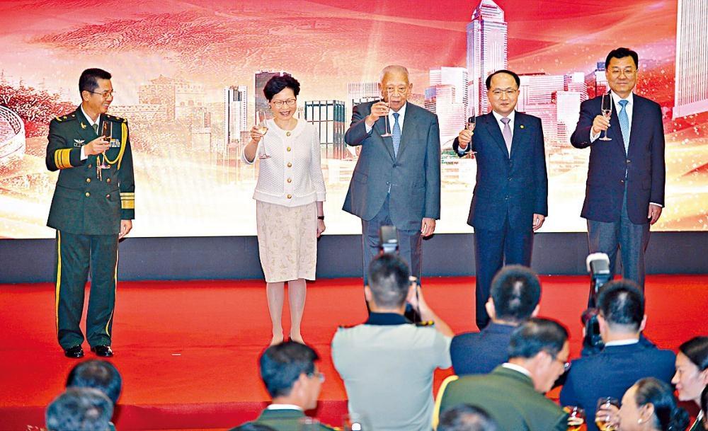 解放軍駐港部隊昨晚舉辦八一建軍節酒會。