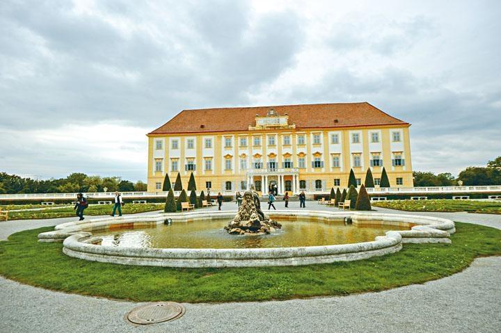 ●Schloss Hof皇宮由多幢建築物組成。