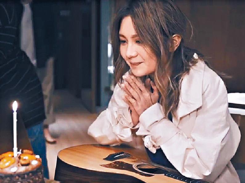■Cath的4月4日生日,正在台灣為《偷時間的人》錄音。