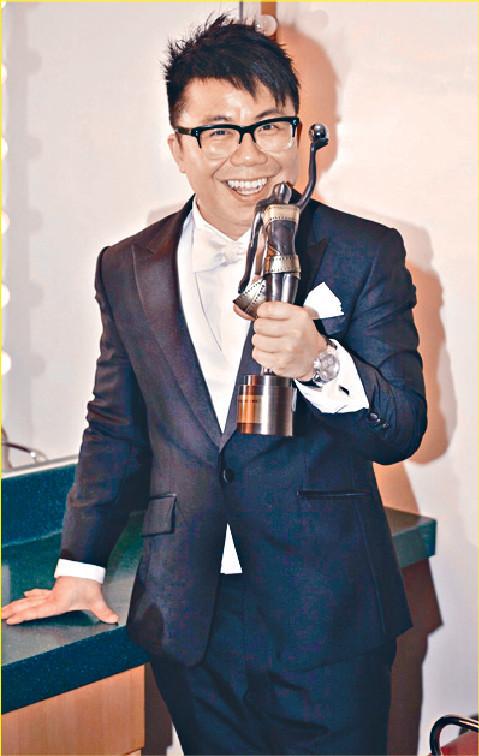 ■陳奐仁話攞咗電影新人獎,屋企人竟然開心過他拎音樂獎,所以立志拍多啲戲做演員。