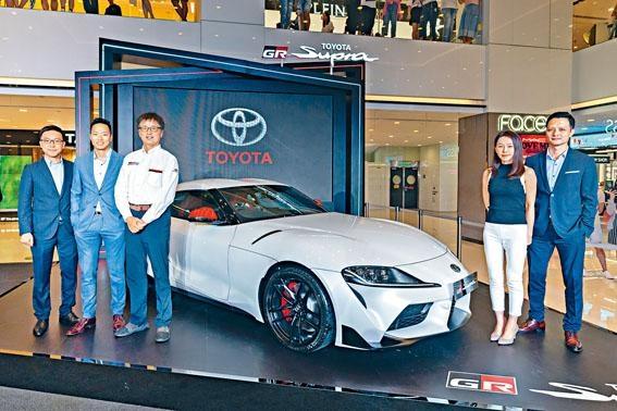 ●GR Supra總工程師多田哲哉(左三)專程來港,與代理一眾高層代表主持展覽揭幕禮。