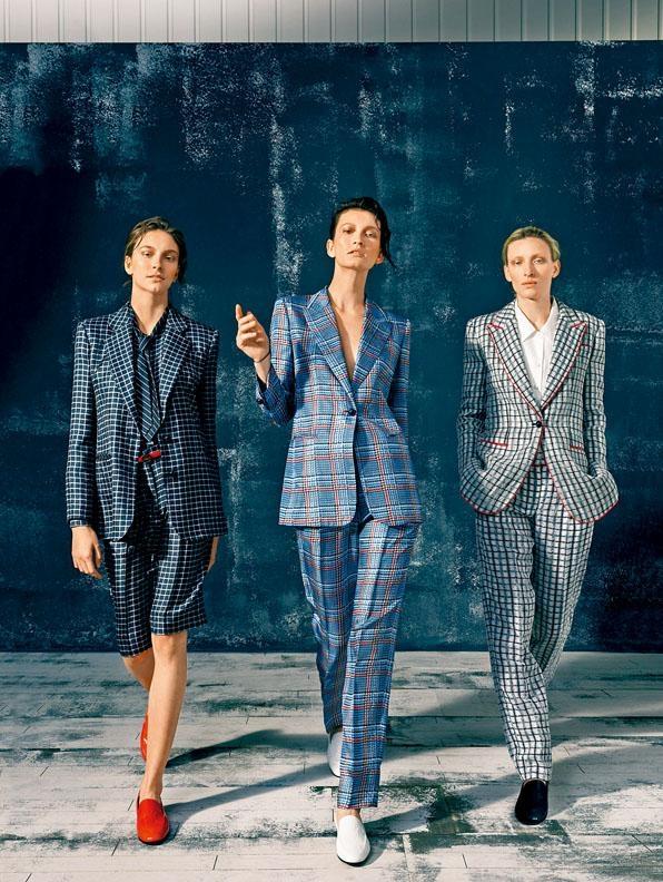 ●不同拼色格紋圖案的西裝褸、長褲及短褲,巧妙配襯恤衫、領帶及鞋履,塑造出別具一格的中性造型/西裝褸及褲款/$15,000至$43,500/Giorgio Armani。