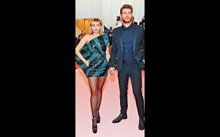 結束8個月婚姻  Miley Cyrus同「雷神」細佬離婚