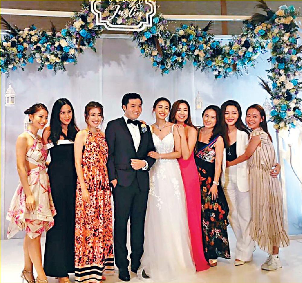 ■岑杏賢跟一班好姊妹齊齊出席朱千雪的婚禮。