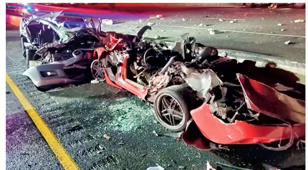 涉及401公路車禍的其中一輛汽車損毀嚴重。CBC