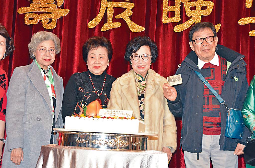 ■羅蘭姐、譚倩紅、胡楓與Lily姐相識多年。