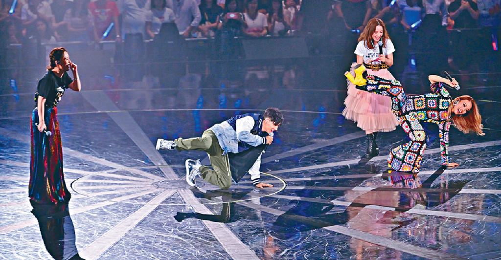 ■容祖兒和Kenny在台上大鬥舞技。