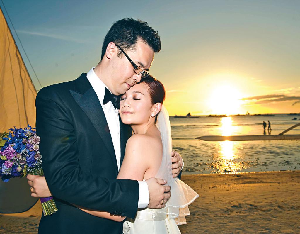 ■梁靜茹2010年與趙元同在長灘島結婚。