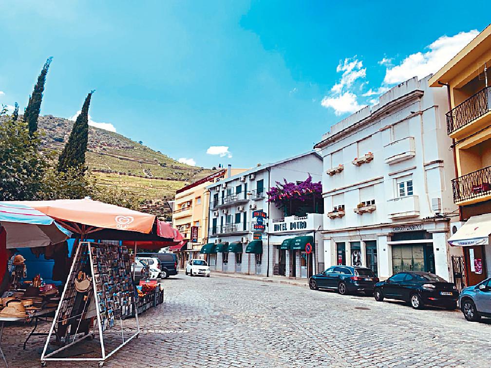 ■龔嬿稱近葡萄牙的小島Tua風景好靚。