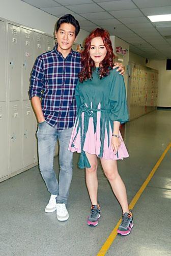 湯洛雯與黎諾懿亮相《DO姐有問題》玩遊戲。