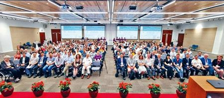 港大早前舉行第五屆「抗生素耐藥性環境污染」國際研討會,吸引全球三百五十名學者出席。