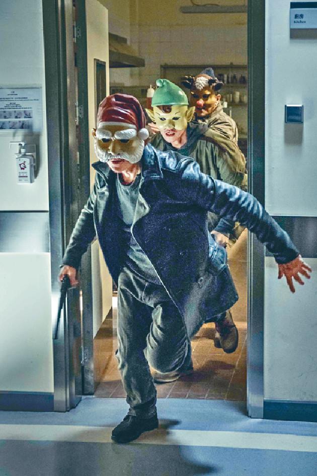 ■小齊演的「Santa」好多戲份要戴着面具,但經常被面具弄傷塊面。