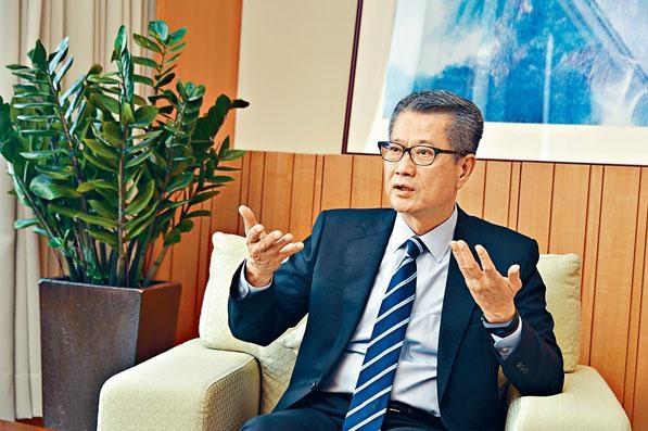 陳茂波表示,香港經濟正處於內外交困,技術上陷入經濟衰退的風險好高。